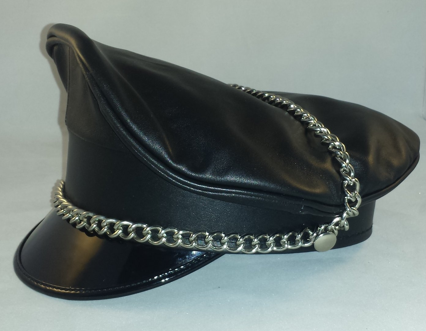 Leather Muir cap with chain Black - Awanstar Leather Fashion 31d034be5adf